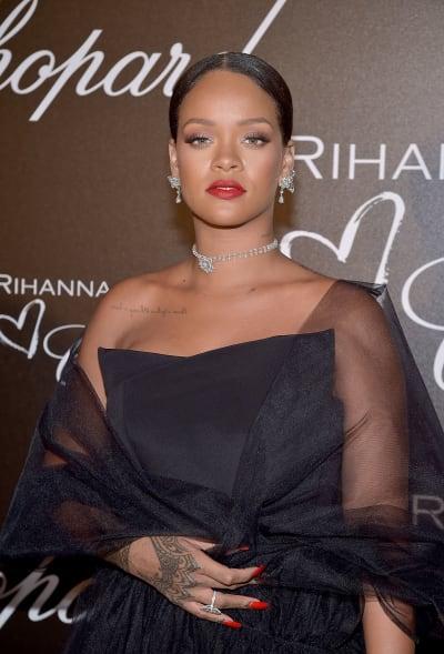 Rihanna in All Black