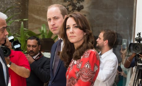 Will & Kate Lay a Wreat at Taj Hotel in Mumbai