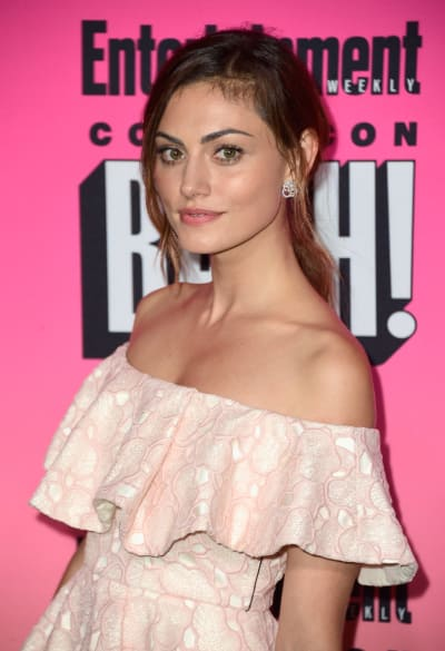 Phoebe Tonkin at Comic-Con