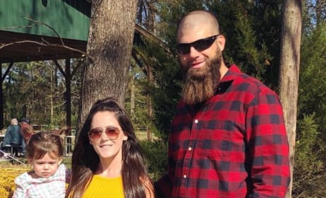 Jenelle Evans: Did She Create a Fake News Site Just to Defend David Eason?!