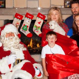 Kelly Clarkson Christmas Eve.Kelly Clarkson Christmas Card Have A Happy Awkward Holiday The
