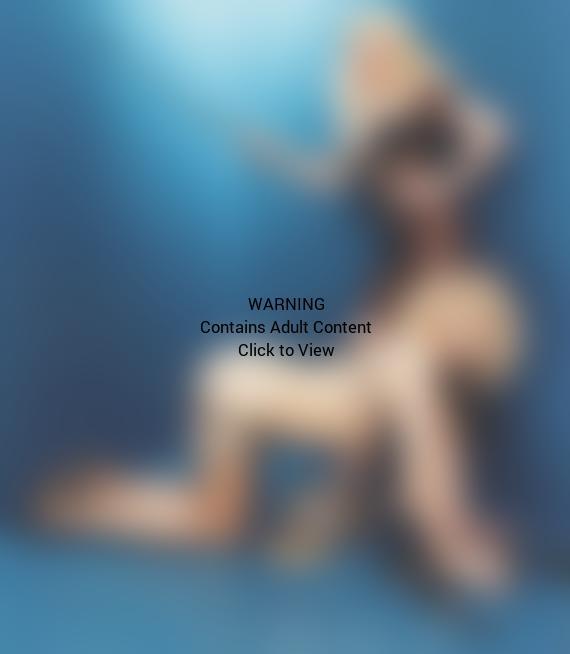 Courtney Love Doggy Style