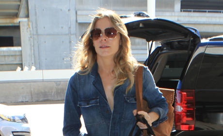 LeAnn Rimes Catches a Flight at LAX