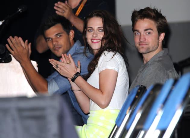 Kristen Stewart and Robert Pattinson  at Comic-Con