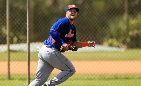Tim Tebow Prays Over Man with Seizure
