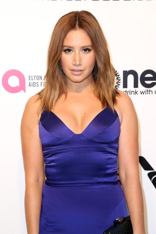 Ashley tisdale at oscars party close up