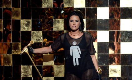 Demi Lovato Supports LGBT Community on Stage
