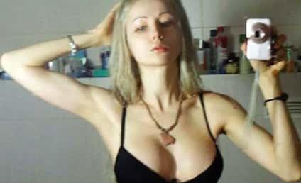 Valeria Lukyanova Bikini Selfie: Makeup-Free and Sort of Hot?