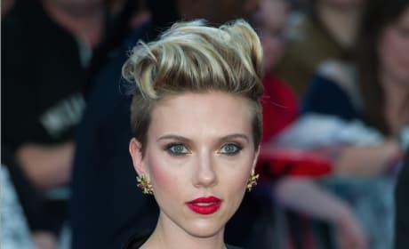 Scarlett Johansson Rocks the Red Carpet
