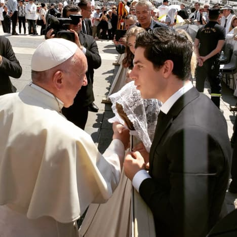 David Henrie Meets the Pope