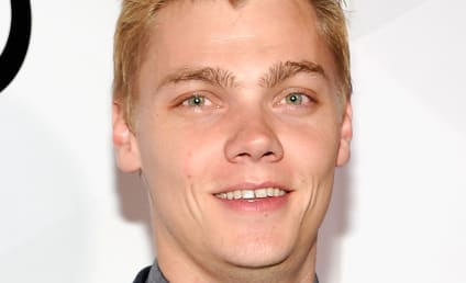 Levi Meaden: Totally Making Out with Ariel Winter!