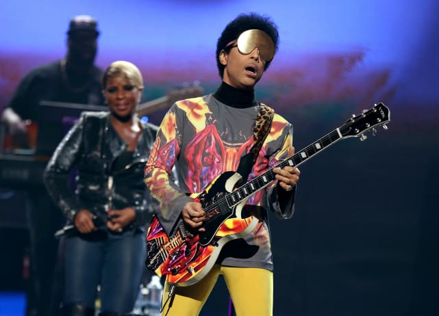 Prince Performs with Mary J. Blige: 2012 iHeartRadio Music Festival