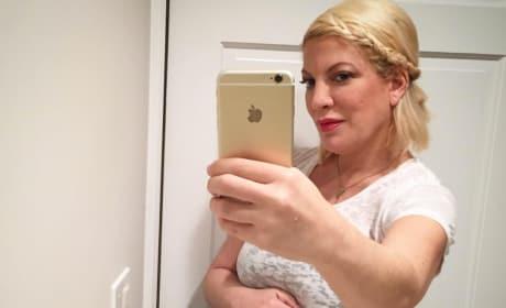 Tori Spelling Baby Bump Selfie