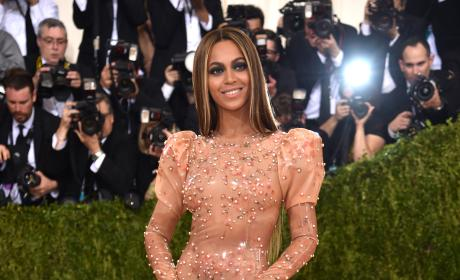 Beyonce: 2016 Costume Institute Gala