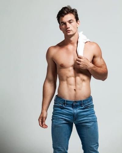 Tyler Cameron, No Shirt Needed