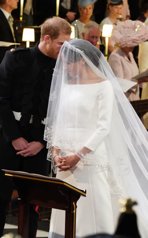 Meghan markle wedding gown