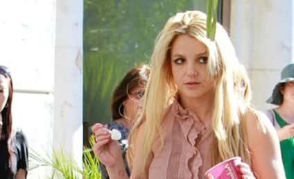 Britney Spears Bonds With Sean Preston