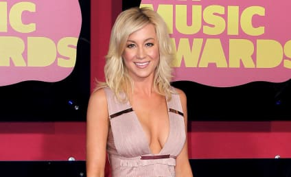 Celebrity Hair Affair: Kellie Pickler