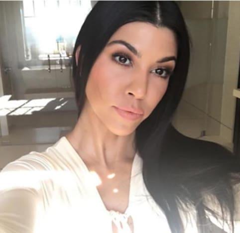 Incredible Kourtney Kardashian Latest Selfie Sparks Nose Job Rumors The Hairstyles For Women Draintrainus