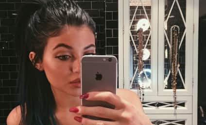 Kylie Jenner: iPhone 6 Selfie Creates a Stir (But Not Because of the Phone)