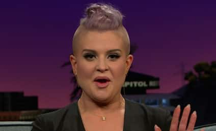 Kelly Osbourne Fingers Camel Toe of The Real Co-Star