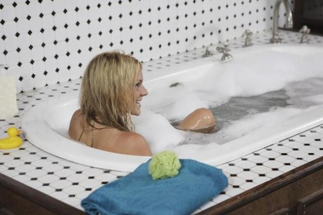 Ali Fedotowsky Takes a Bath