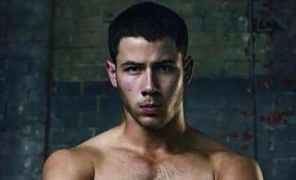 #ManCrushMonday: Shirtless Nick Jonas Alert!