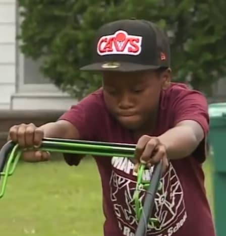 Neighbors Call 911 Over 12-Year-Old Mowing Grass 04