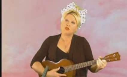 Victoria Jackson Sings: Obama is a Communist!