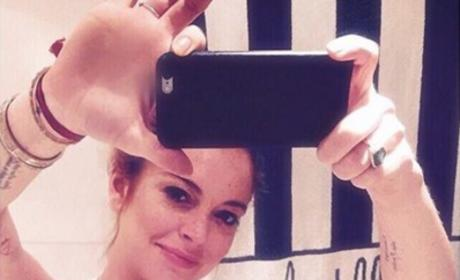 Lindsay Lohan waist training
