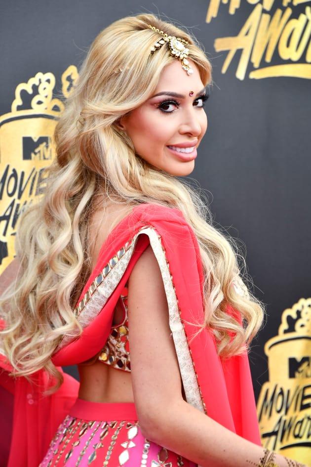 Farrah Abraham: SLAMMED for Bollywood-Themed Outfit at MTV ...