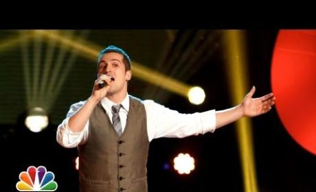 Sam Cerniglia - It's a Beautiful Day (The Voice Blind Audition)