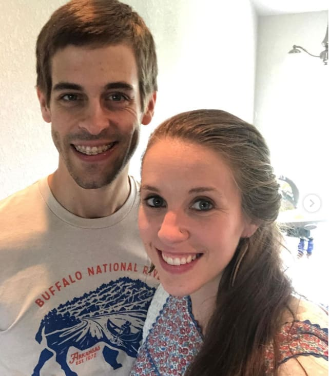 Jill duggar poses with derick