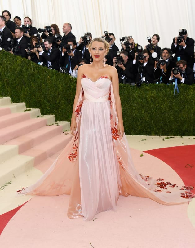 Blake lively 2016 costume institute gala