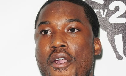 Meek Mill Denies Bottle Attack, Beef With Chris Brown