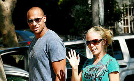 Kendra Wilkinson Baby Bump Picture