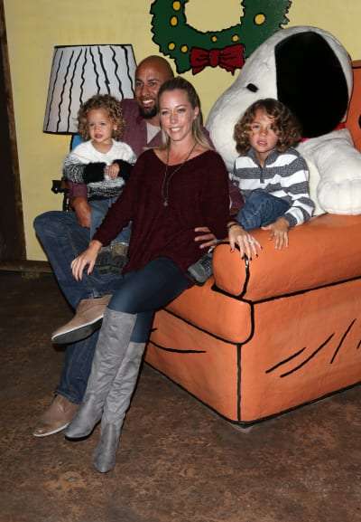 Hank Baskett and Kendra Wilkinson: Knott's Berry Farm's Countdown To Christmas