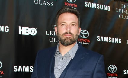 Ben Affleck: Wearing Wedding Ring on Red Carpet!