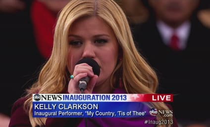 """Kelly Clarkson Defends Beyonce, Dubs Inaugural Performance SO """"Nerve-Wracking"""""""