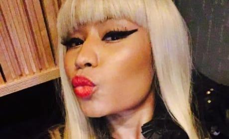 Nicki Minaj Nip Slip Image