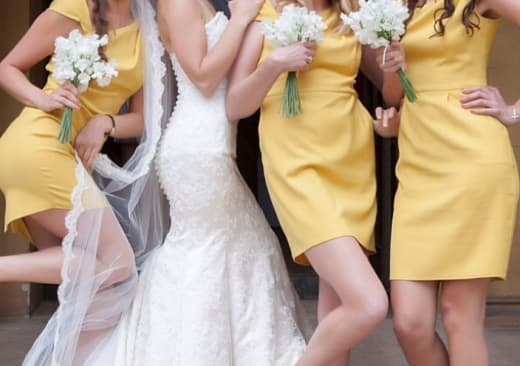 wedding photo with yellow bridesmaid dresses from IG 04