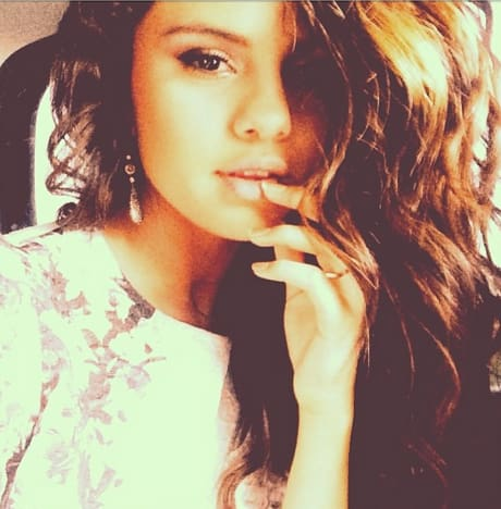 Selena gomez smolders on instagram come hither justin bieber selena gomez smolders altavistaventures Image collections