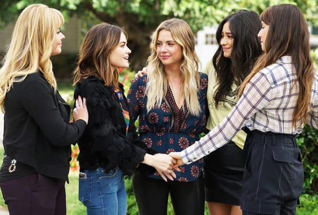 Pretty little liars finale scene