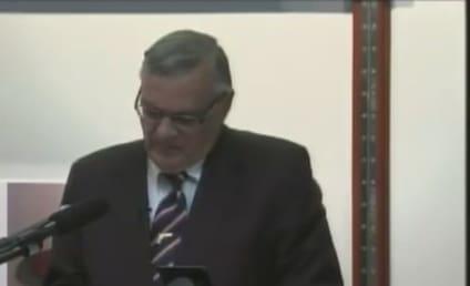 "Sheriff Joe Arpaio: Obama Birth Certificate a ""Forgery"""