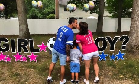 Lauren Comeau & Javi Marroquin Reveal Baby's Gender ... and Proposal?! [UPDATED]
