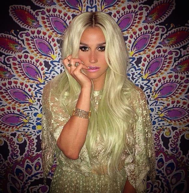 Kesha Green Hair Photo