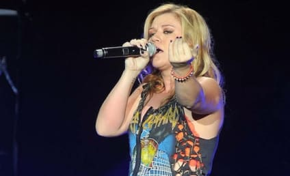 Kelly Clarkson on Clive Davis: What a Bully!