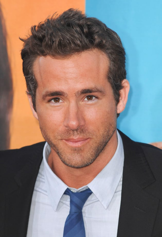 happy 36th birthday ryan reynolds the hollywood gossip. Black Bedroom Furniture Sets. Home Design Ideas