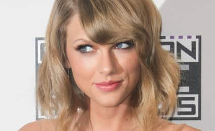 Taylor Swift Nude Photos to be Released By Hackers?