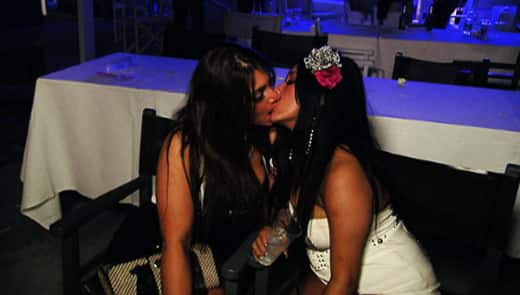 Deena and Snooki Kissing